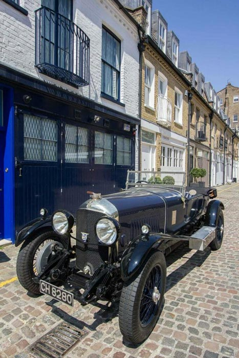 a-london-mews-street-with-vintage-car
