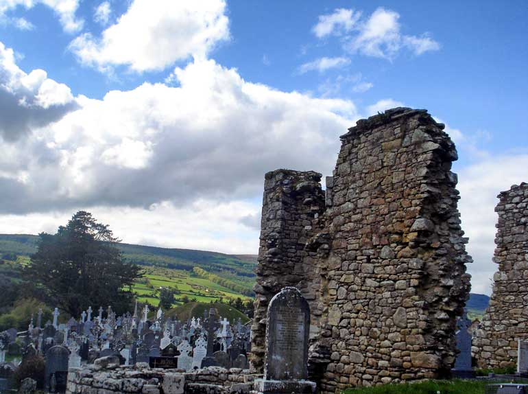 graveyard and ruined buildings St Mullin's ireland