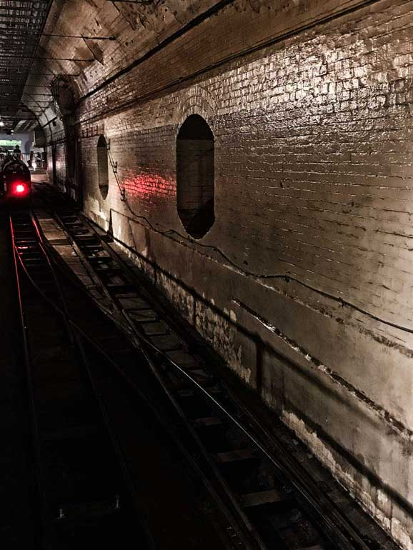 rail-mail-london-tunnel