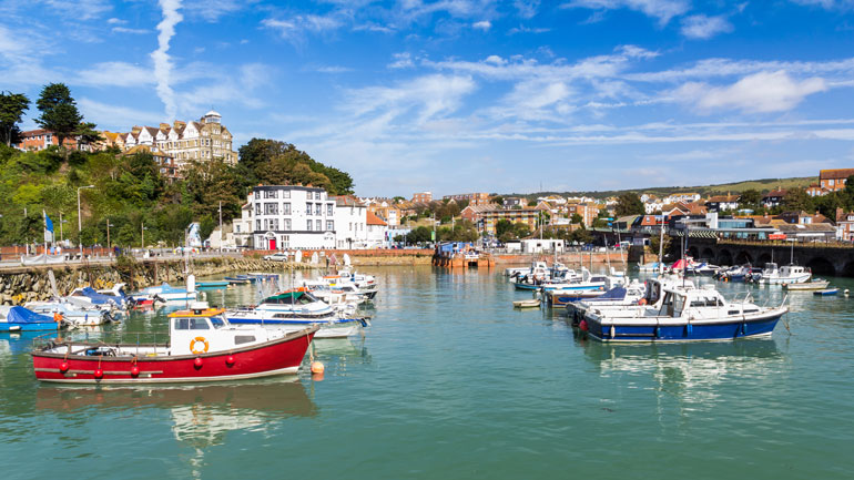 boats-in-folkstone-harbour-kent